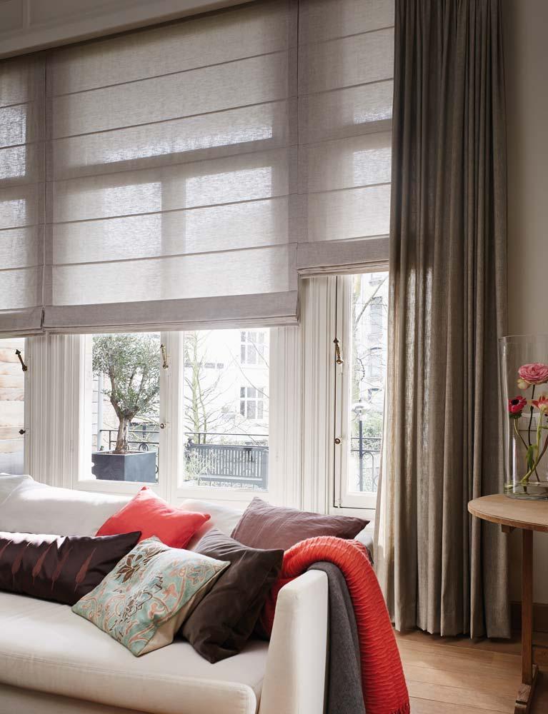 https://heezenwonen.nl/Heezen%20nw/raamdecoratie/vouwgordijnen/luxaflex-Roman-Shades-vouwgordijn-semi-transparant.jpg